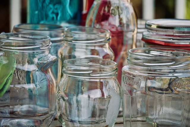 různé druhy sklenic